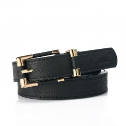 Fashionable leather belt with crocodile pattern